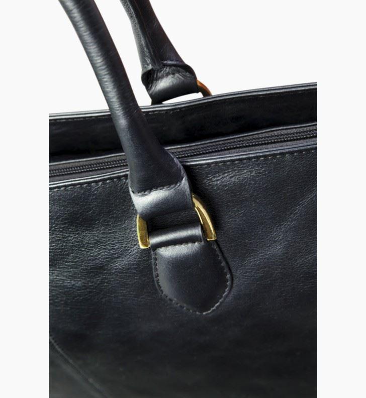 c167f9782eb dbramante1928 Sophie Amalienborg dame læder taske i sort skin. Op ...